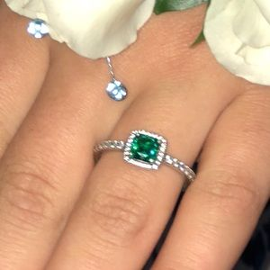 Pandora promise ring emerald size 8